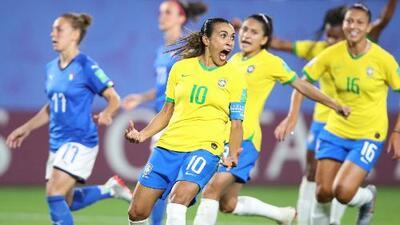 Marta, máxima goleadora en la historia de los Mundiales, sin importar género