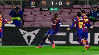 ¡Cardíaco! Dembélé es héroe y Barcelona está a uno del Atleti
