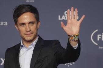 Gael García y más famosos en los Premios Fénix