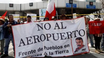 Los mexicanos deciden el destino de su principal aeropuerto: 3 claves para entender lo que está en juego
