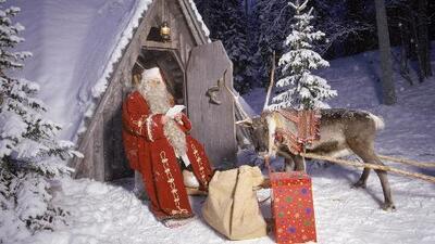 Entre el deseo de comprar y el estrés de la vida moderna, ¿cómo mantener vivo el mito de Santa Claus?