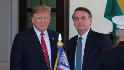 Donald Trump intercambia elogios en la Casa Blanca con el 'Trump del Trópico'