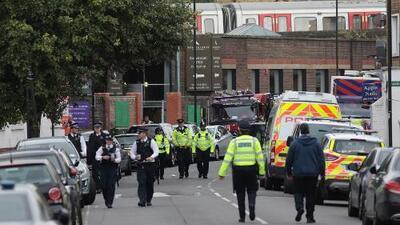 Buscan a sospechosos de la explosión en el metro de Londres que deja al menos 23 heridos