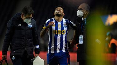 Tecatito se lesiona con el Porto y la afición culpa a su técnico