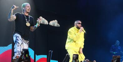 'Oasis en Dallas': J Balvin y Bad Bunny cantaron juntos en el Uforia Latino Mix Live