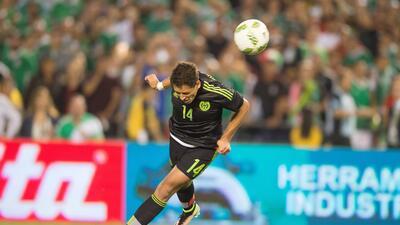 Chicharito cumple otra vez y México le gana a Chile 1 - 0 en San Diego