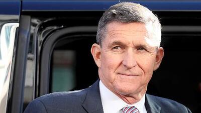 Michael Flynn tendrá que permanecer en Washington y entregar su pasaporte a la corte, según orden de juez