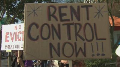 Inquilinos de un edificio en Downey dormirán en la calle para protestar por el incremento de la renta