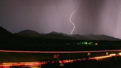 Tormenta eléctrica trae lluvias, rayos y relámpagos al sur de California
