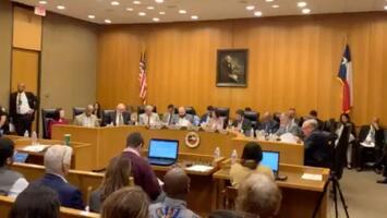 Votan por propuesta de fondo de representación para inmigrantes en el condado Harris
