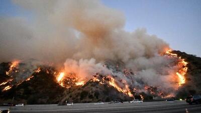 """""""Es un gigante dormido"""": bomberos alertan sobre lo que puede pasar con el incendio Getty"""