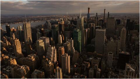Viernes mayormente nublado en Nueva York con posibilidad de lluvias en horas de la tarde