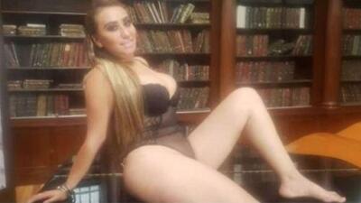 Escándalo por las fotos de 'Lady Lencería' con poca ropa en el Palacio Nacional de México