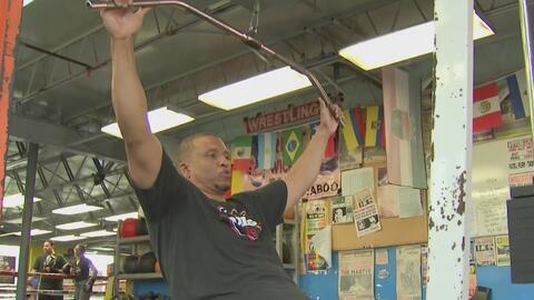 Le prometió a su esposa antes de morir que bajaría de peso y ahora es un ejemplo de superación y tenacidad