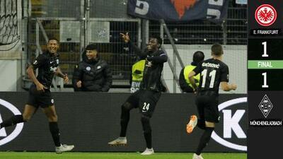 Borussia Mönchengladbach rescató un punto en su visita al Eintracht Frankfurt