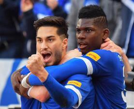 En fotos: Schalke 04 se aleja de la zona de descenso y hunde a Hannover en la Bundesliga