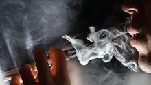 Campaña en Chicago busca rechazar el uso del cigarrillo electrónico entre menores de edad