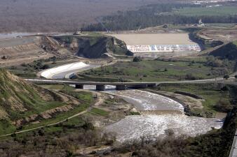 En fotos: la represa de California que puede poner en riesgo a más de 1.4 millones de personas en 29 comunidades a su alrededor