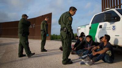 Arrestos en la frontera se disparan en marzo y alcanzan el nivel más alto durante la era Trump