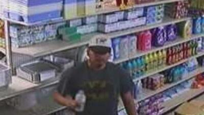 Este hombre es sospechoso de robar a mano armada al menos dos negocios en La Villita