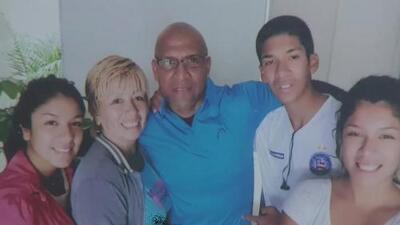 El emotivo reencuentro de una familia hispana tras permanecer 19 años separada