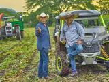 Julión Álvarez aprendió a ordeñar antes que a cantar: así era su vida en el rancho