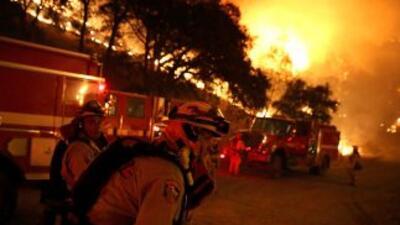 Tres bomberos mueren al tratar de combatir un incendio en Washington