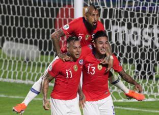 En fotos: Chile se ensaña con Japón y golea a los invitados por 4-0