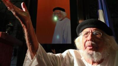 ¿Por qué Nicaragua le pone una costosa multa al poeta y sacerdote Ernesto Cardenal?