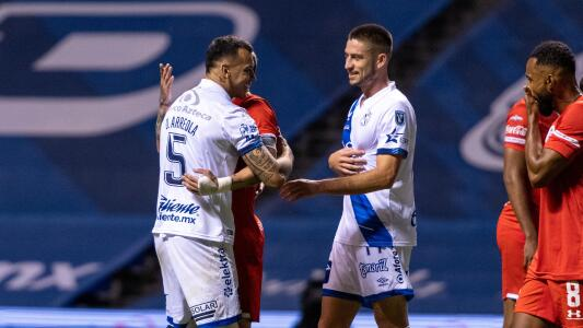 Liga MX habilita a jugadores de Puebla pese a tener residuos de COVID-19