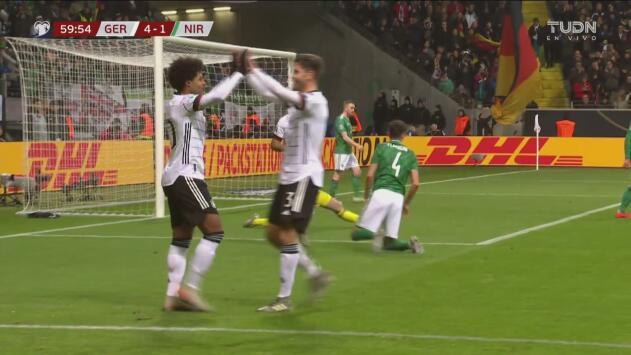 Gnabry y 10 más en Alemania, completa su hat-trick y pone el 4-1