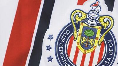 Chivas da una 'probadita' de su jersey conmemorativo para el Mundial de Clubes