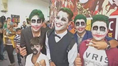 Miles de personas acuden a primera Comic-Con de Libia