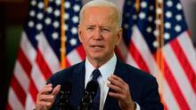Biden critica a Rangers por apertura a fans; Boston pospone por lluvia