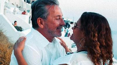 Ricardo Montaner se casa por sexta vez con la madre de sus hijos en Santorini, Grecia