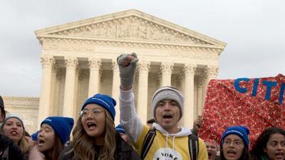 Día clave para DACA: Corte Suprema escucha argumentos para decidir el futuro del programa