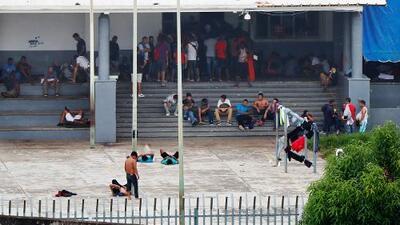 Hacinamiento e insalubridad: así viven los migrantes en el centro de detención más grande de América Latina