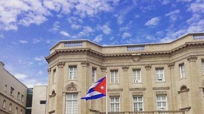 Ileana Ros-Lehtinen visita a Ninoska para hablar de la apertura de la embajada cubana en Washington D.C.