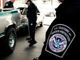 Una agente fronteriza ayudó a su niñera para que entrara ilegalmente a EEUU, según Fiscalía