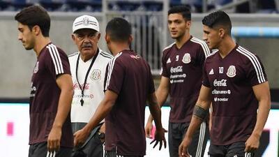 'Chucky', Raúl Jiménez y Elías Hernández, tridente ofensivo en el posible XI del Tri ante Uruguay