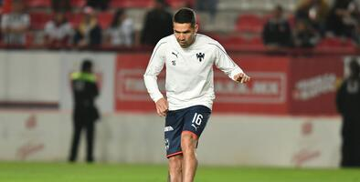 Celso Ortiz entrena con normalidad para medirse al Liverpool