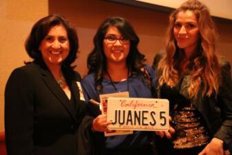 Donaji junto a ganadoras conocen a Juanes!