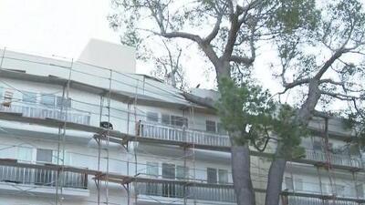Al menos 35,000 hogares sin energía eléctrica debido a los fuertes vientos en el sur de California