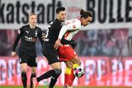 Hofmann (6') y Thuram (19') pusieron al frente al Mönchengladbach. Ya en la segunda mitad Nkunku (57'), Poulsen (66') y Alexander Sørloth (90+3') dieron vuelta al marcador. Leipzig y M'Gladbach acumulan 50 y 33 unidades, respectivamente.