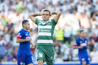 En fotos: en juego intenso y al rojo vivo dividen los puntos Cruz Azul y Santos en Torreón