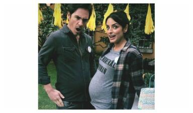 Aislinn Derbez y Mauricio Ochmann esperan a su bebé con un alocado cambio de imagen