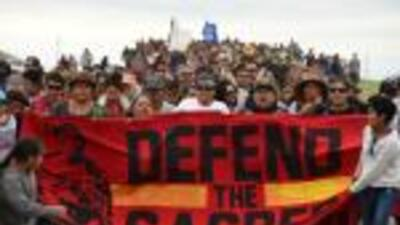 Ejército de EEUU reabre el camino para construir el oleoducto Dakota que amenaza tierras sagradas de sioux