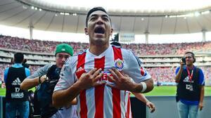Chivas le cierra las puertas a Marco Fabián