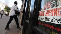 Encontrar trabajadores, el desafío que enfrentan dueños de negocios debido a las ayudas por desempleo