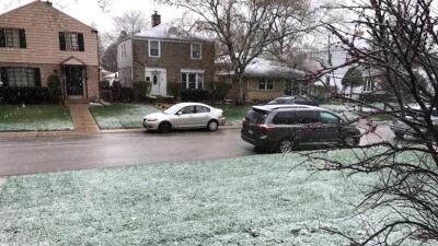 La primavera en Chicago: nieve, helajes, vuelos cancelados y alertas de tormenta (fotos)